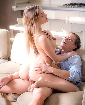 Old Man and Young Big Ass Porn Pictures