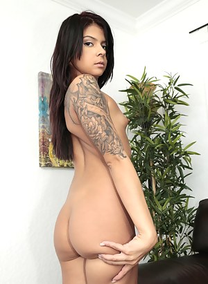 Big Ass Small Tits Porn Pictures
