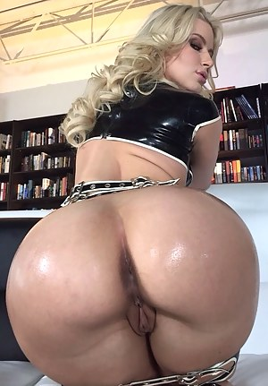 Big Bubble Ass Porn Pictures